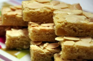 lemon-and-ginger-slice-served