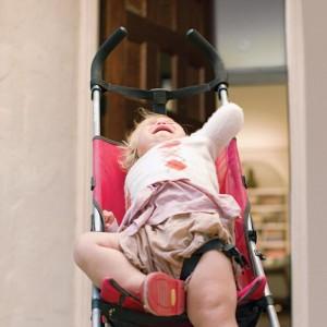 child-throwing-tantrum-behavior-SR_0