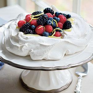 pavlova-berries-sl-l